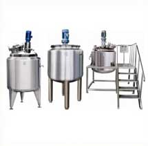 Jacketed Vessels with welded top disc with top drive Stirrer